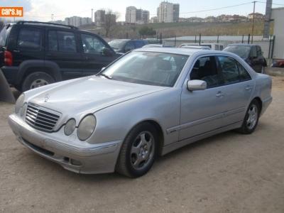 Mercedes-Benz E 320 CDI- 320i